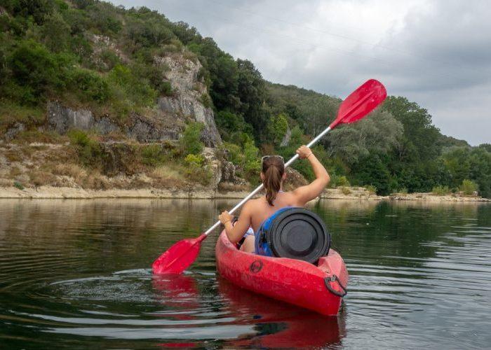 Réserver une nuit au camping Montéglin après une sortie en canoë-kayak vers Sisteron